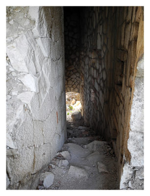 """Forte Monte (Mollinary): Der Abstieg in den """"Keller"""" der Festung"""
