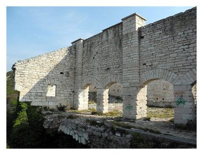 Forte Monte (Mollinary): Die weggebrochenen/gesprengten Teile des Obergeschosses