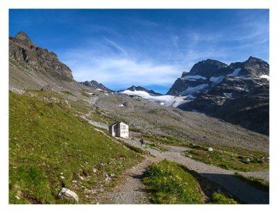 Geocaching in der Silvretta - Jägerhütte und Bergpanorama