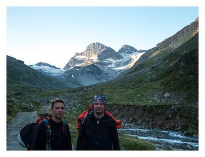Geocaching in der Silvretta - Skampy und Saarfuchs vor dem Piz Buin