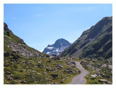 Geocaching in der Silvretta - erster Blick auf den Piz Buin