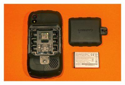 Garmin Monterra Test - Hardware und Zubehör - Rückseite mit offenem Batteriefach