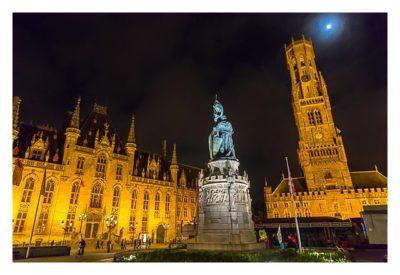 Belfried, Rathaus und Denkmal am großen Markt in Brügge
