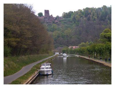 Radtour von Saarbrücken nach Straßburg: Ausblick auf die Lützelburg