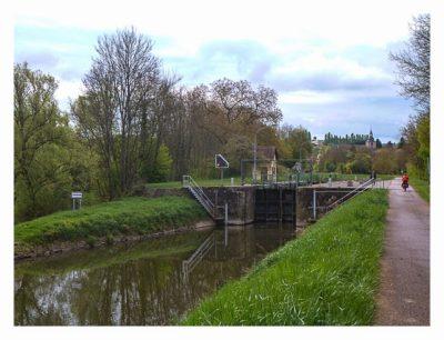 Radtour von Saarbrücken nach Straßburg: Schleusen am Kanal