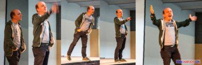 Bernhard Hoecker bei Big Äppel - Bernhard fegt über die Bühne