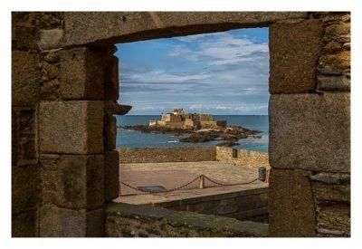 Saint Malo - Geocaching in historischer Kulisse - Blick durch Fenster