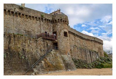Saint Malo - Geocaching in historischer Kulisse - Eingang vom Stand