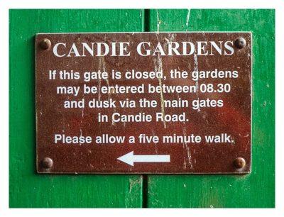 Guernsey - St. Peter Port - Candie Gardens Türschild