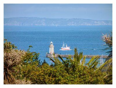 Guernsey - St. Peter Port - Candie Gardens - Blick aufs Meer