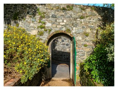 Guernsey - St. Peter Port - Candie Gardens - Pforte