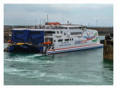 Guernsey - Fähre der Condor-Linie