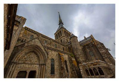 Mont Saint Michel - Die Kathedrale von der Seite