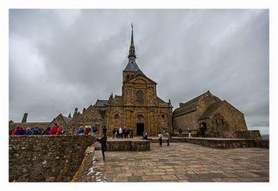Mont Saint Michel - Terrasse vor der Kathedrale