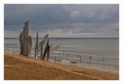 Westliche Landungsstrände - Kunstwerk am Omaha Beach