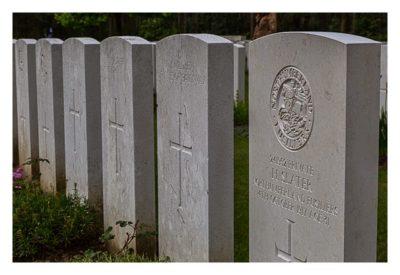 Geocaching in Flandern - The Great War Event - Grabsteine auf dem Soldatenfriedhof