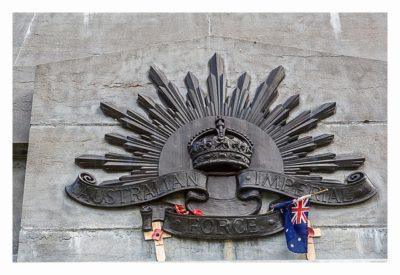 Geocaching in Flandern - The Great War Event - Denkmal auf dem Soldatenfriedhof