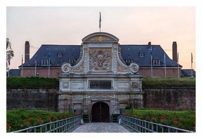 Geocaching in Flandern - Lille - Eingang zum Innenhof der Zitadelle