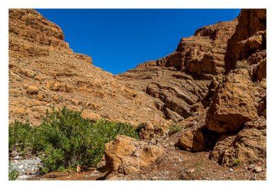 Im hohen Atlas: Steile Wände am Fluss