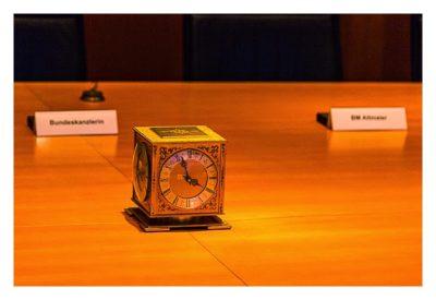 Mit dem Berufsgeocacher ins Bundeskanzleramt - Adenauer-Uhr