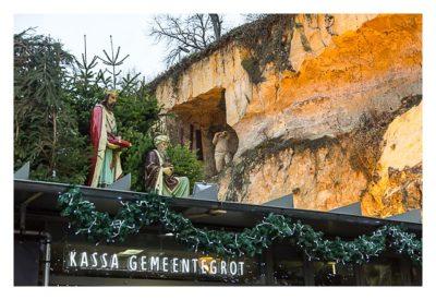 Valkenburg - Weihnachtsmarkt - Figur über dem Eingang