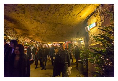Valkenburg - Weihnachtsmarkt - geschmückte Grotte