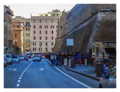 Rom: Der Vatikan - Die Warteschlange vor den Vatikanischen Museen