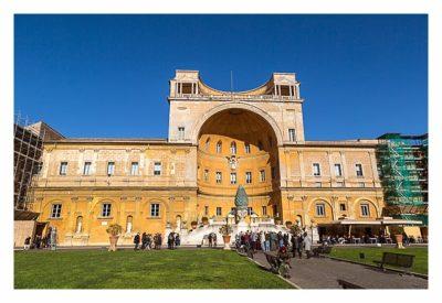 Rom: Der Vatikan - Im Innenhof der Vatikanischen Museen