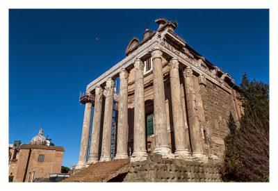 Rom: Geocaching bei den alten Römern: Forum Romanum - Tempel des Antoninus und der Faustina