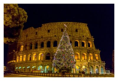 Rom: Geocaching bei den alten Römern: Kolosseum mit Weihnachtsbaum