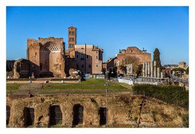 Rom: Geocaching bei den alten Römern: Kolosseum - Blick auf den Tempel von Venus und Roma