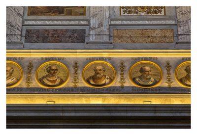 Rom: Geocaching über Silvester - Sankt Paul vor den Mauern: Fries mit den Päpsten