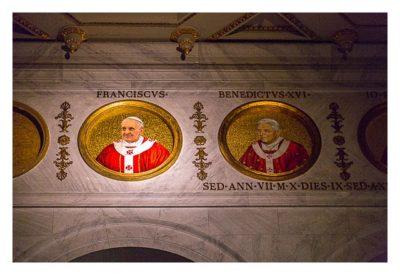 Rom: Geocaching über Silvester - Sankt Paul vor den Mauern: die aktuellen beiden Päpste