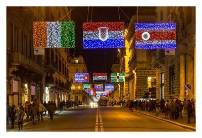 Rom: Geocaching über Silvester - beleuchtete Flaggen in den Strassen