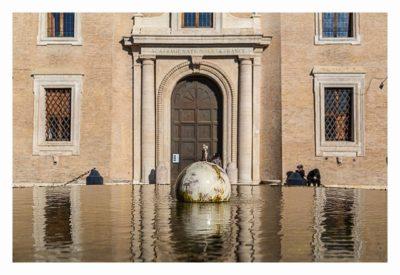 Rom: Geocaching über Silvester - Spiegelungen im Brunnen