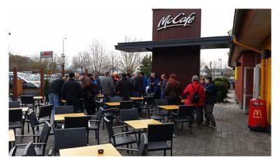 PI-Day-Event im Saarland vor dem McDonalds