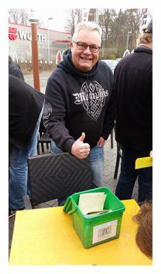 Wolfgang mit seiner Log-Kiste am PI-Day
