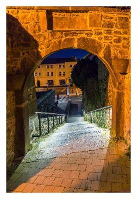 Abendliches Geocaching in Kilkenny - Torbogen