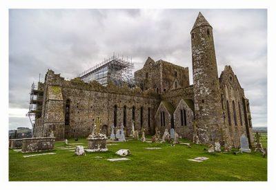 Rock of Cashel - der Friedhof hinter der Kathedrale