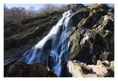 Wicklow-Mountain - Powerscourt Wasserfall: tosendes Wasser