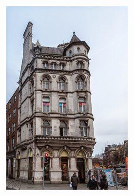 Geocaching in Dublin: Art Deco Haus