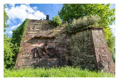 Fort St. Josef - die Mainzer Unterwelt: Der Adler an der Mauer