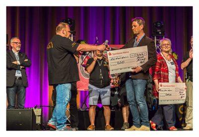 """Geocaching Giga-Event """"Gutenberg 2015"""" - Scheckübergabe für einen wohltätigen Zweck"""