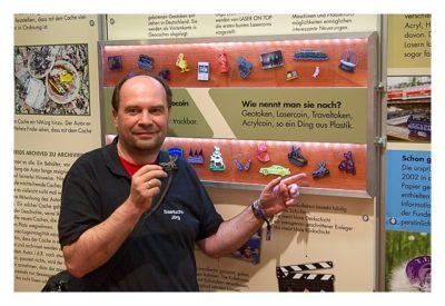 """Geocaching Giga-Event """"Gutenberg 2015"""" - GPS Maze Europe - Saarfuchs mit Token in der Ausstellung"""