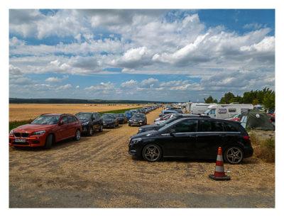 Mega am See 2015 - Der parkplatz auf dem Feld