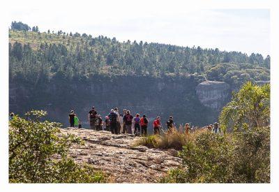 Natur pur im Pirituba Canyon - Geocacher am Abgrund