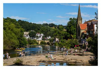 UK Mega 2016 in North Wales - Llangollen - Am Fluss wird gepicknickt