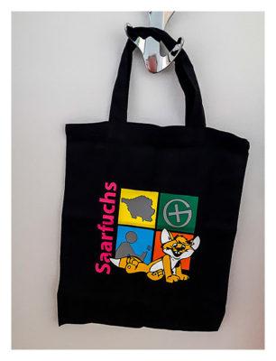 Produkttest Softshell-Jacke - Drucktest Logo auf Tasche