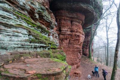 Geocaching & Wandern: Tolle Felsformationen am Altschloßpfad!