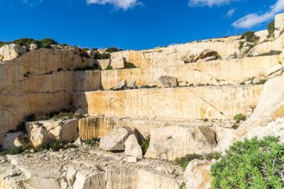 Geocaching auf Malta: Der Süden - die Tempel von ?a?ar Qim und Mnajdra - Geocache im alten Steinbruch